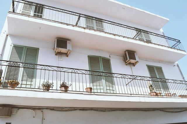 apartment-building-1082094_640.jpg